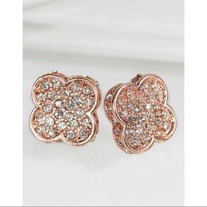 Pavé clover post earrings